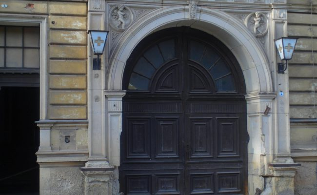 2 Eingang